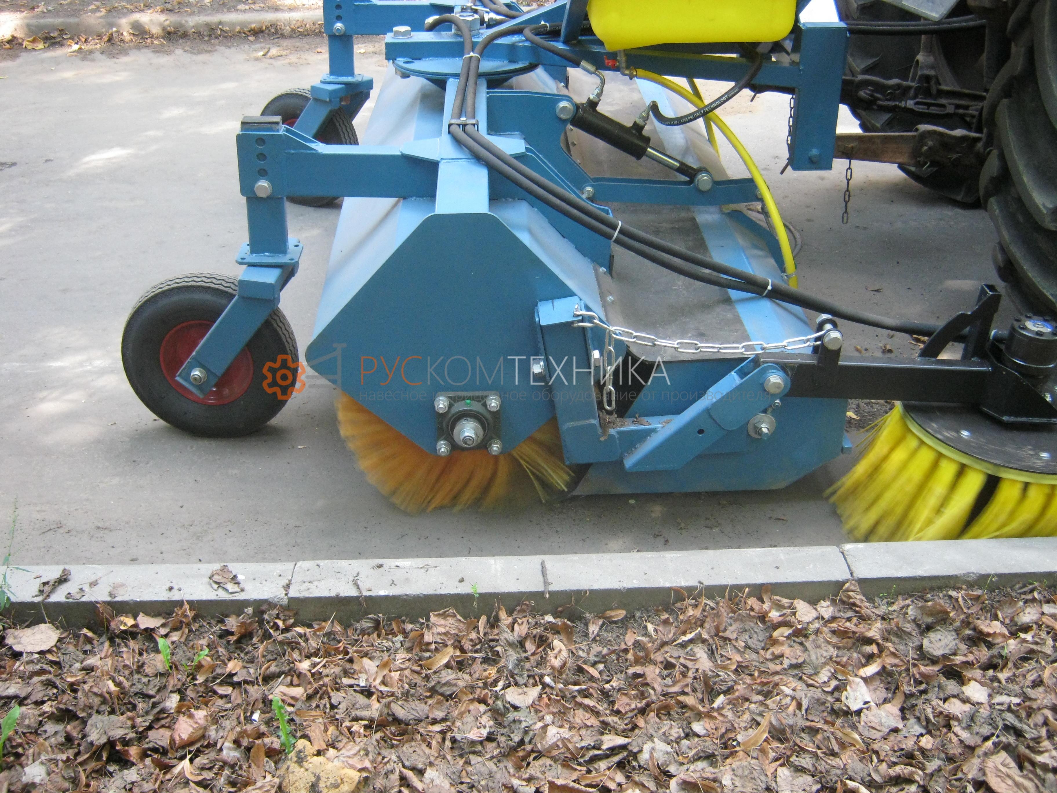 Щетка дорожная с бункером 0,45 м³ зима-лето для тракторов МТЗ